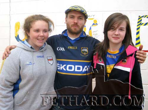 Singer 'Johnny B' photographed with pupils from Patrician Presentation Secondary School, Fethard